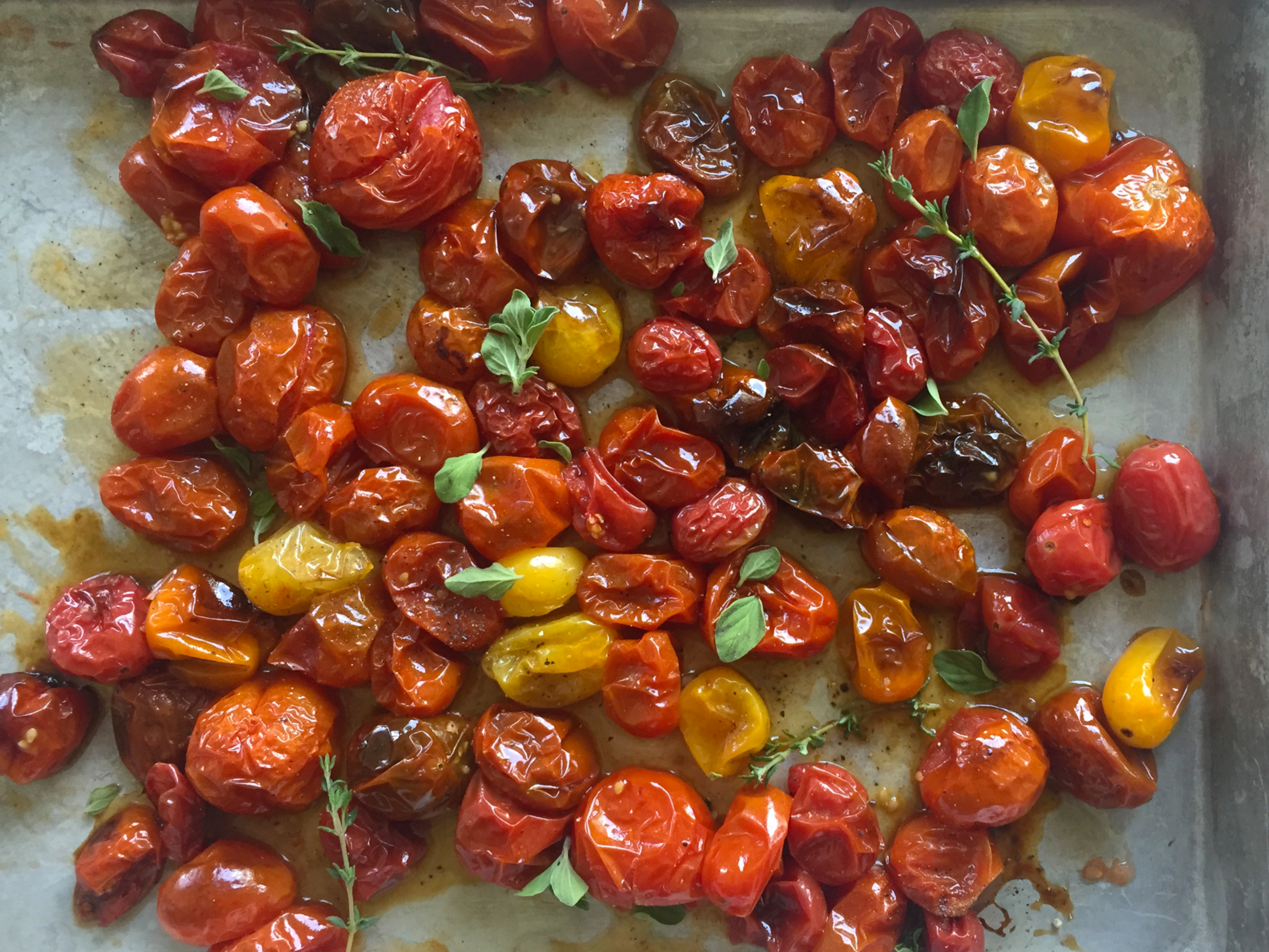 How to Make Roasted Tomatoes, 4 Easy Ways