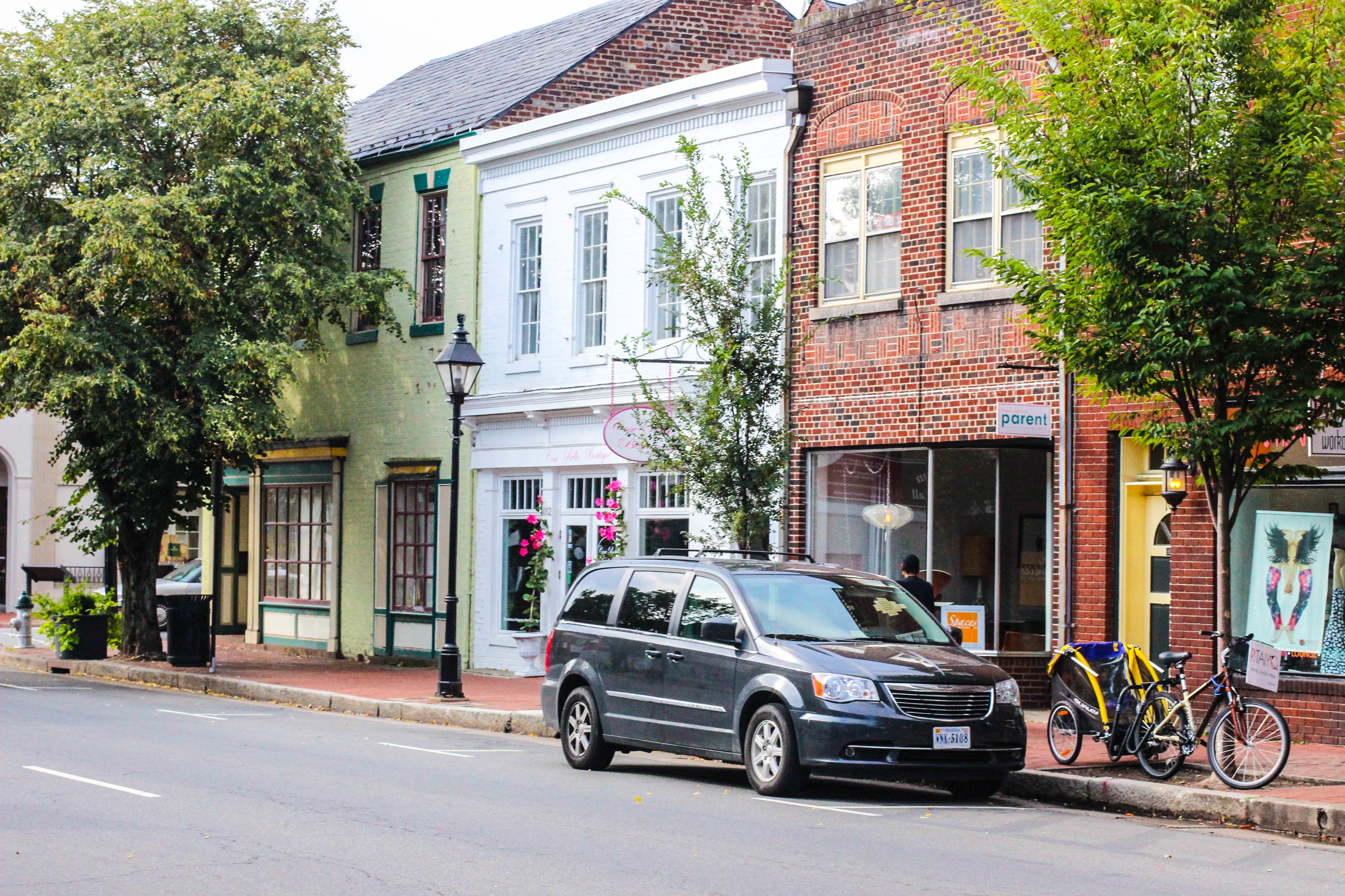 Local businesses in Historic Downtown Fredericksburg