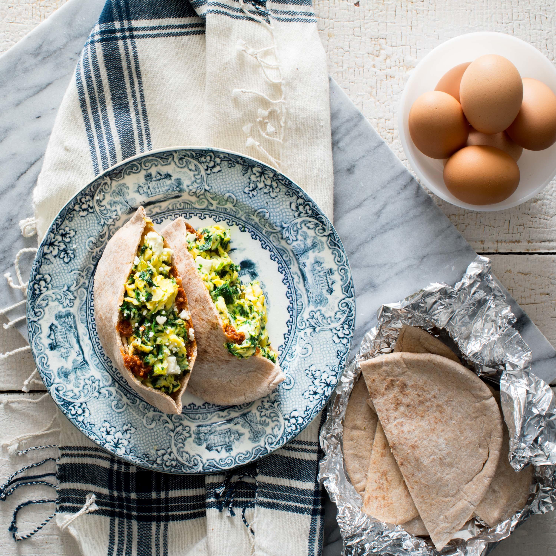spanakopita scrambled eggs in pita pockets
